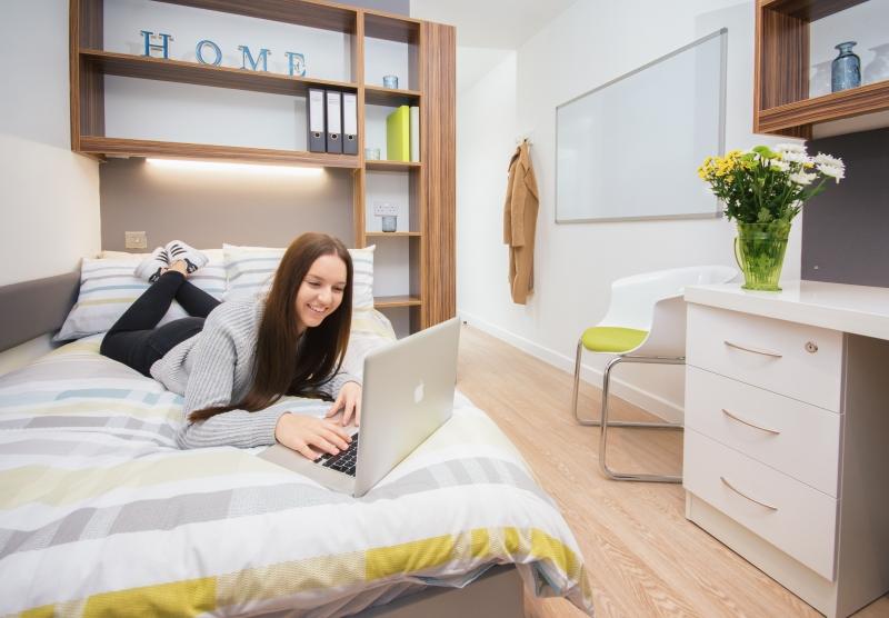 bedroom-student_23x0