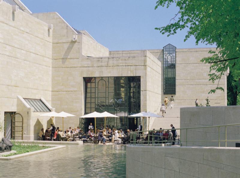 Escuela de Munich por fuera
