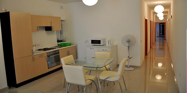 cocina apartamento malta compartido