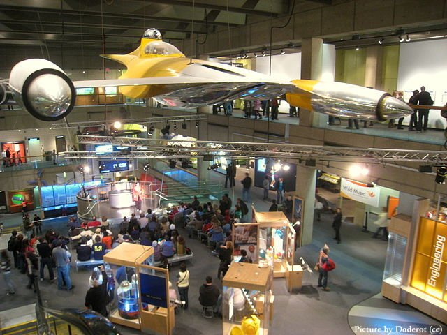 Museo-de-Ciencias-Boston-by-Daderot