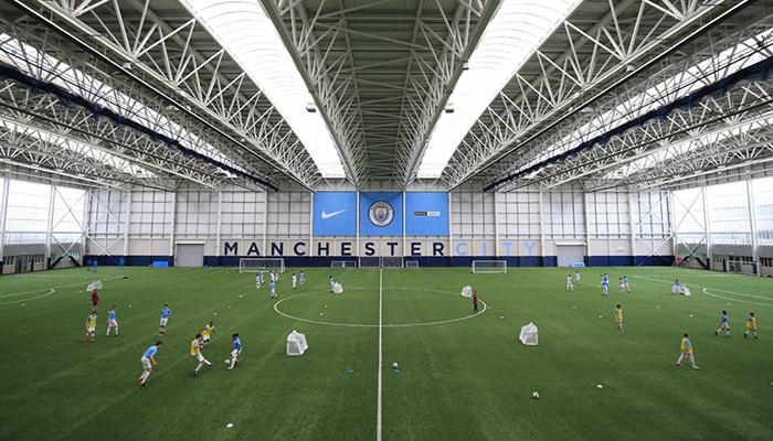 Entrenamiento del Manchester City Academy