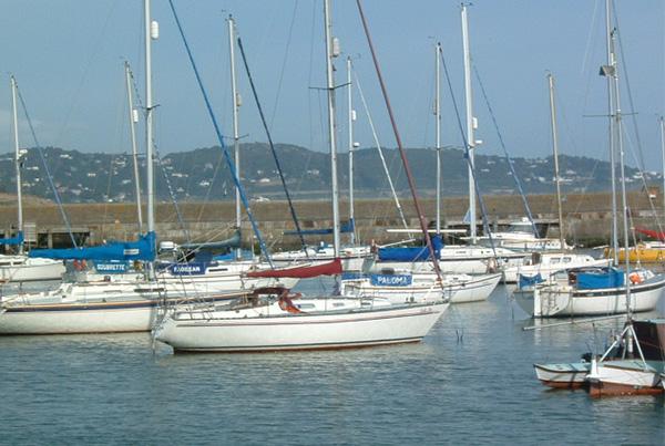 Puerto de la ciudad de Bray