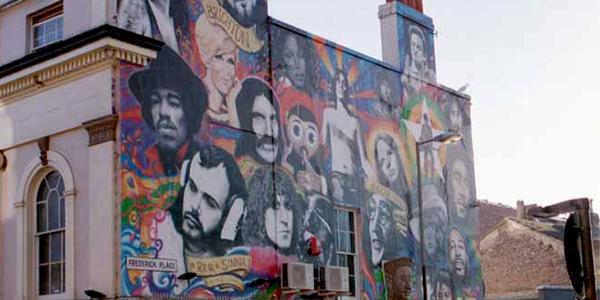 Graffitti en honor a los músicos que nos han dejado