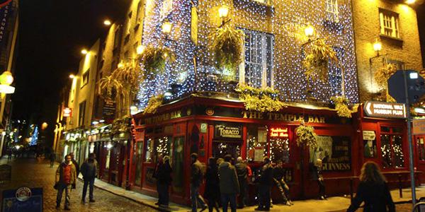 Temple Bar de Dublín por la noche