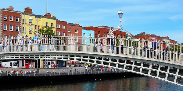 Ha'penny bridge en Dublín