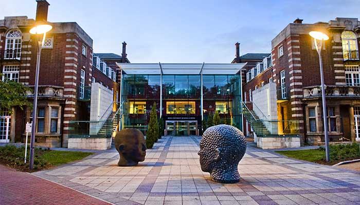 Exterior de la Universidad de Hull