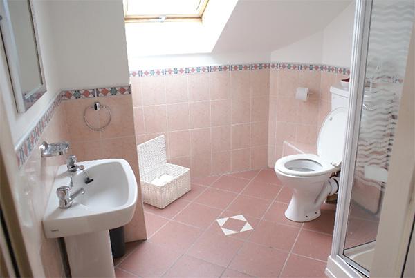 Baño de las habitaciones de la residencia