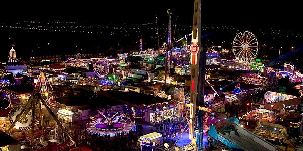 Ferias de Hull por la noche