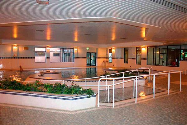 Zona de ocio en el complejo con spa